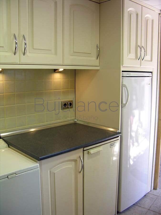 Zona de cocina después de reformarse.