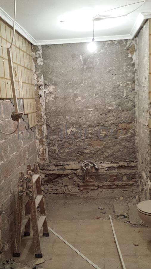 Frontal de ducha durante la reforma