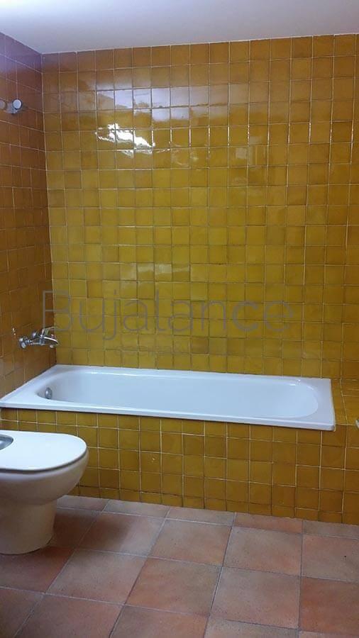 Zona de la bañera antes de su sustitución en Graus